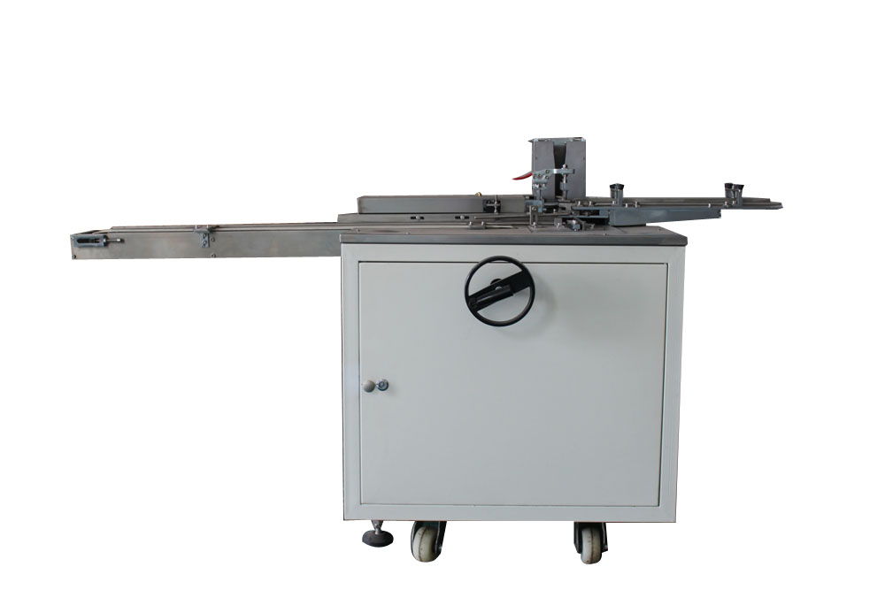 Sharpener sleeve packing machine